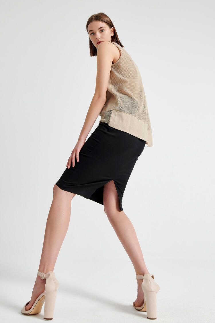 Skirt with buttons on the front - Black S